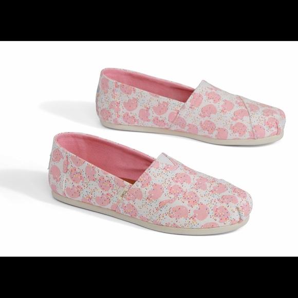 b9bdf88830a Pink Elephant Sprinkles Classic Toms